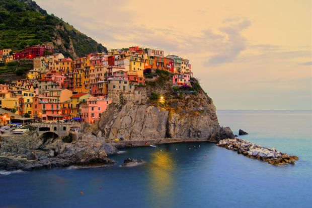 13293982_xl-manarola-sunset