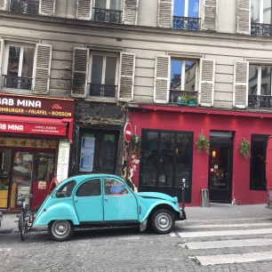 Vintage car in Vintage Paris